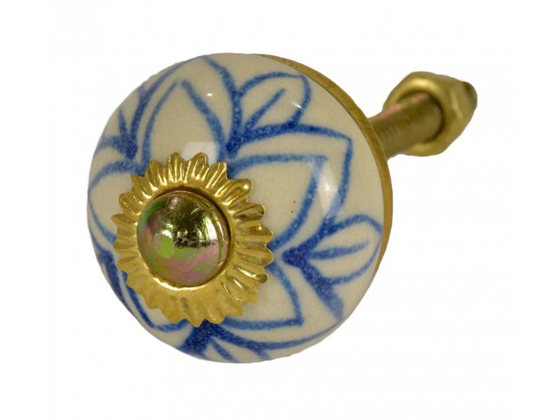 Malovaná porcelánová úchytka na šuplík, bílá, modrá květina, průměr 2,8 cm