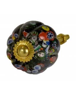 Malovaná porcelánová úchytka na šuplík, černá, barevný dekor, průměr 3,7 cm