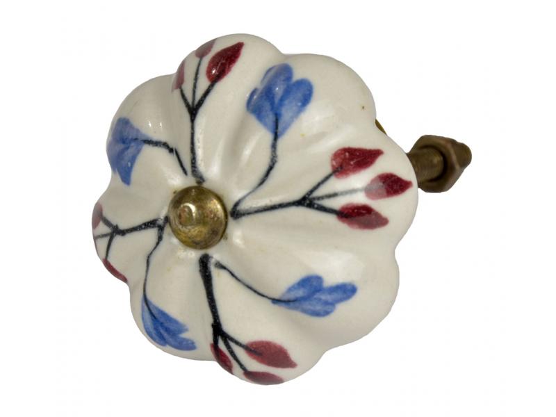 Malovaná porcelánová úchytka na šuplík, tvar květiny, bílá, modré a vínové listy
