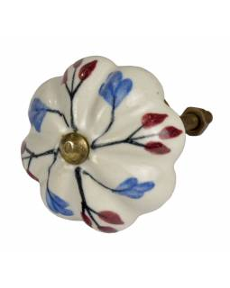 Malované porcelánové madlo na šuplík, tvar květiny, bílé, modré a vínové lístky