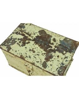 Stará kovová truhla, zelená patina, 57x37x32cm