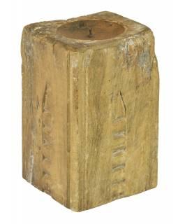 Dřevěný svícen ze starého teakového sloupu, 16x15x25cm