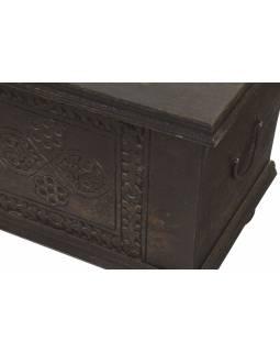 Truhla z teakového dřeva, zdobená řezbami, 146x38x45cm