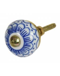 Malovaná porcelánová úchytka na šuplík, bílá s modrou retro kresbou, zlatý dekor