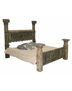 Luxusní postel vyrobená metodou upcycling, starožitný teak, 217x237x190cm