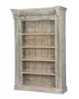 Knihovna z antik teakového dřeva, zdobená řezbami, bílá patina, 125x52x207cm