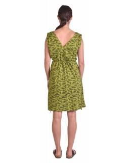 Krátké šaty bez rukávu, zelené, potisk pavích per, gumička šňůrka v pase