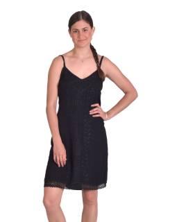 Lehké krátké černé šaty na ramínka, výšivka, vázání na zádech