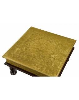 Malý stolek z mangového dřeva zdobený mosazí, 30x30x16cm