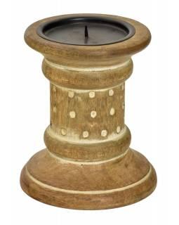 Dřevěný, ručně vyřezávaný svícen, 13x13x23cm