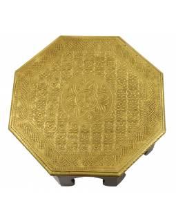 Čajový stolek z mangového dřeva zdobený mosazným kováním, 35x35x15cm