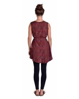 Krátké šaty bez rukávů, černo-červené s paisley potiskem, pásek