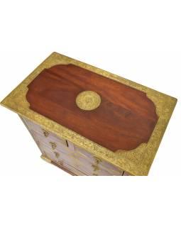 Komoda z palisandrového dřeva zdobená mosazným kováním, 77x46x80cm