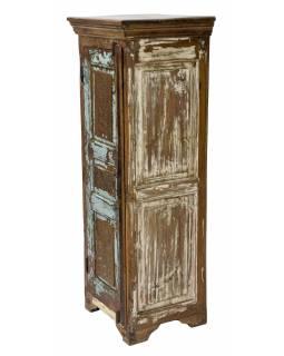 Skříň z teakového dřeva, 45x40x130cm