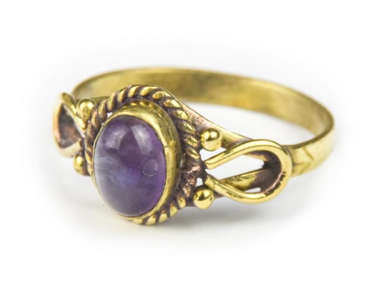 Prsten s polodrahokamem, ametyst 7mm, zdobený, postříbřený (10µm)