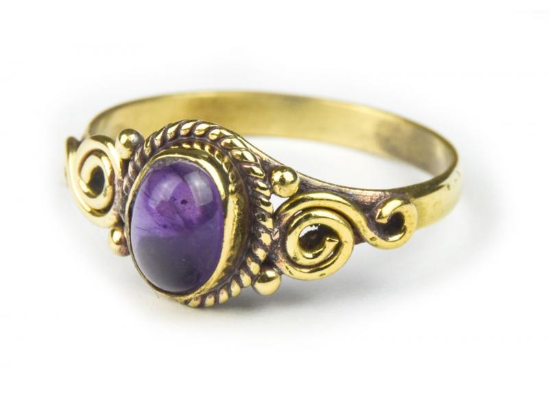 Prsten s polodrahokamem, ametyst 7mm, zdobený spirálou, postříbřený (10µm)