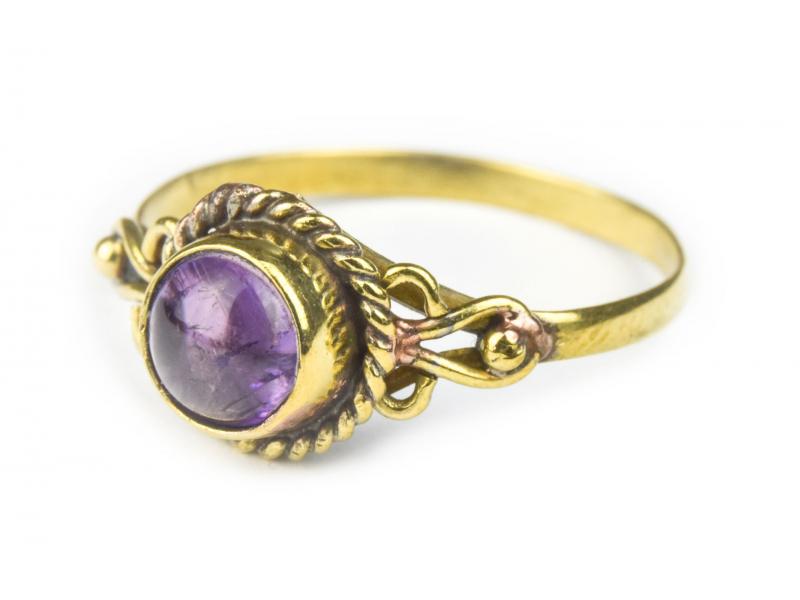 Prsten s polodrahokamem, ametyst 6mm, kulatý, zdobený, postříbřený (10µm)