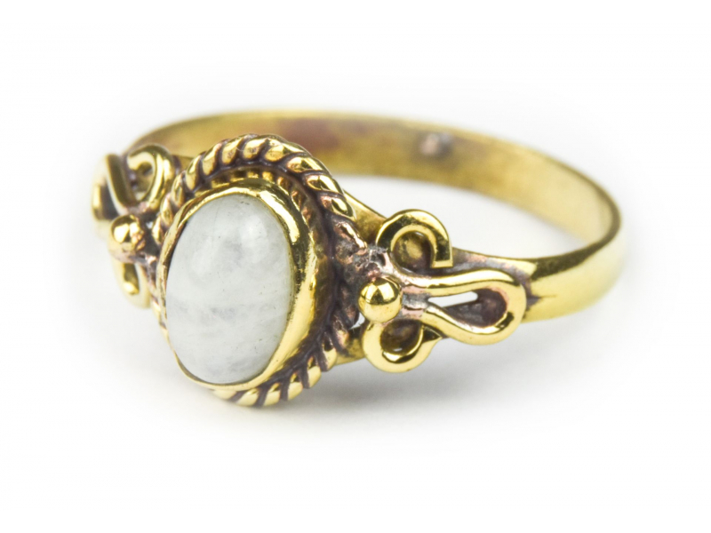 Prsten s polodrahokamem, měsíční kámen 8mm, zdobený, postříbřený (10µm)