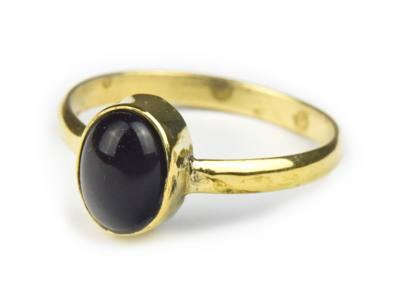 Prsten vykládaný černým onyxem, postříbřený (10µm)