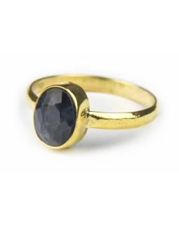Prsten vykládaný černým onyxem, broušený, postříbřený (10µm)
