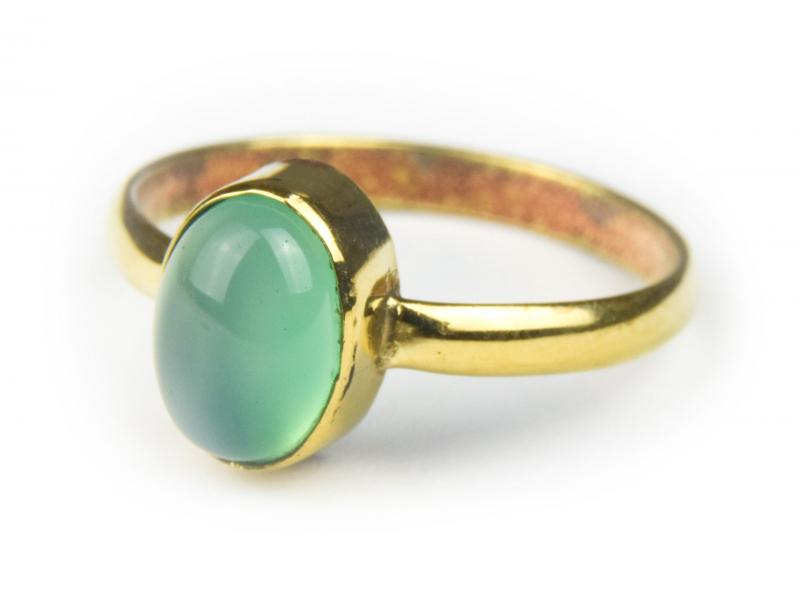 Prsten vykládaný zeleným onyxem, postříbřený (10µm)