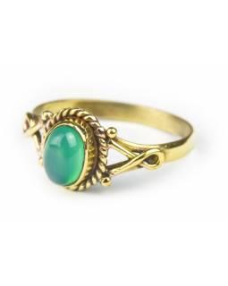 Prsten s polodrahokamem, zelený onyx 8mm, oválný, zdobený, postříbřený (10µm)