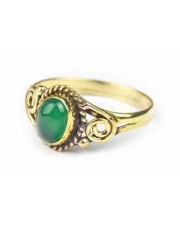 Prsten s polodrahokamem, zelený onyx 7mm, oválný, zdobený, postříbřený (10µm)