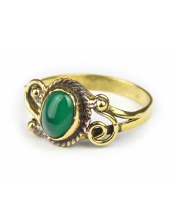 Prsten s polodrahokamem, zelený onyx 7mm, zdobený, oválný, postříbřený (10µm)