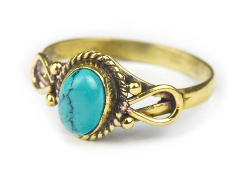 Prsten s polodrahokamem, tyrkys (barvený howlit) 8mm, zdobený, postříbřený(10µm)