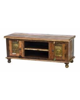 Komoda pod TV z teakového dřeva, mosazné hlavy buddhů, 120x45x50cm