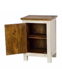 Noční stolek vyrobený z mangového dřeva, ručně vyřezávaný, 45x35x70cm