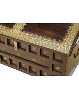 Truhla z akáciového dřeva, mosazné kování, 76x41x41cm