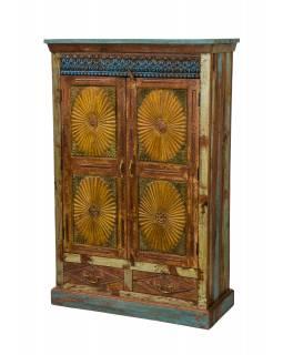 Velká vyřezávaná skříň z teakového dřeva, 101x45x157cm