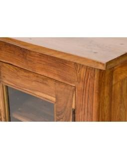 Prosklená skříňka z teakového dřeva, 59x57x67cm