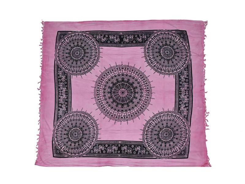 Růžový přehoz na postel, černý potisk, peacock, 210x240cm