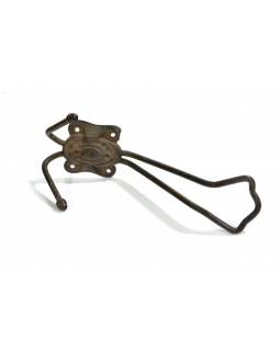 Antik železný háček - věšáček, ozdobný reliéf, 16cm