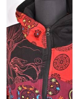 Červená mikina s kapucí zapínaná na zip, mix potisků, kapsy a výšivka