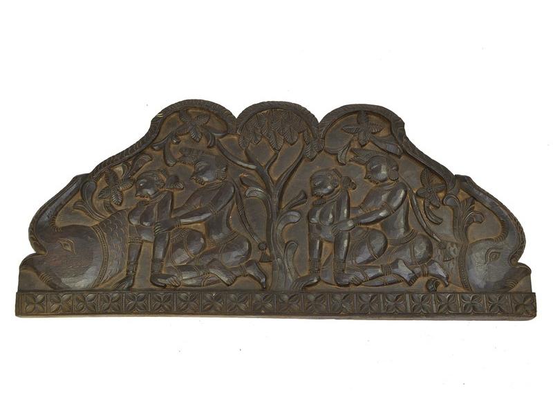 """Erotický panel """"Orissa"""" vyřezávaný ze dřeva, obloukový tvar, 90x42x3cm"""
