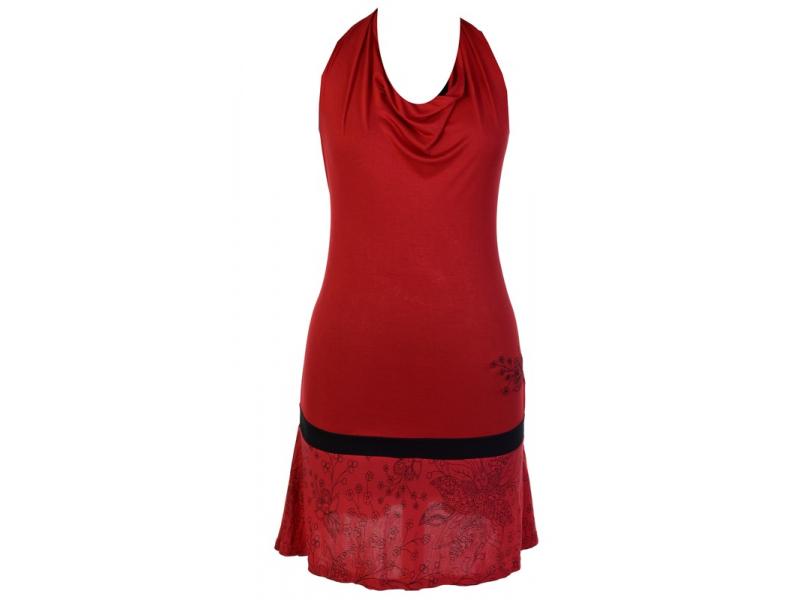 Krátké červené šaty bez rukávu za krk, kombinace tisku a výšivky