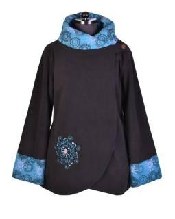 Černo-tyrkysový fleecový kabát s potiskem zapínaný na knoflík, výšivka, kapsy