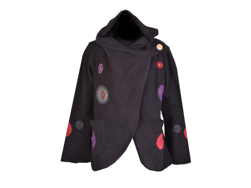 Černý kabát s kapucí zapínaný na knoflík, aplikace mandal, výšivka