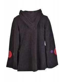 Černý fleecový kabát s kapucí zapínaný na knoflík, aplikace mandal, výšivka