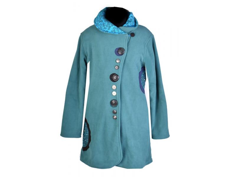 Tyrkysový kabát s límcem zapínaný na knoflíky, barevné aplikace, potisk a výšivk