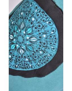 Tyrkysový fleecový kabát s límcem zapínaný na knoflíky, barevné aplikace, potisk