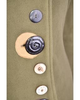 Khaki fleecový kabát s límcem zapínaný na knoflíky, barevné aplikace, potisk a v