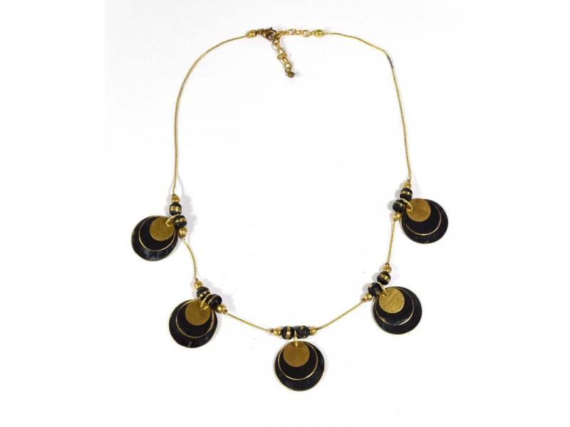 Náhrdelník s černými a zlatými kolečky, zlatý kov