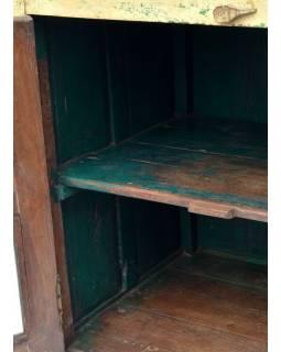Skříňka z antik teakového dřeva s prosklenými dvířky, bílá patina, 79x58x86cm