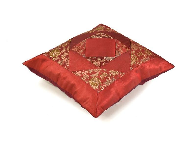 Povlak na polštář, vínový s květinovým designem, zlatá výšivka, 40x40cm