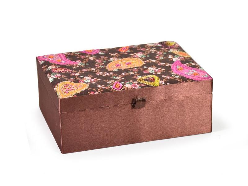 Ručně vyšívaná šperkovnice, hnědá, paisley, korálky, 20,5x15x8,5cm