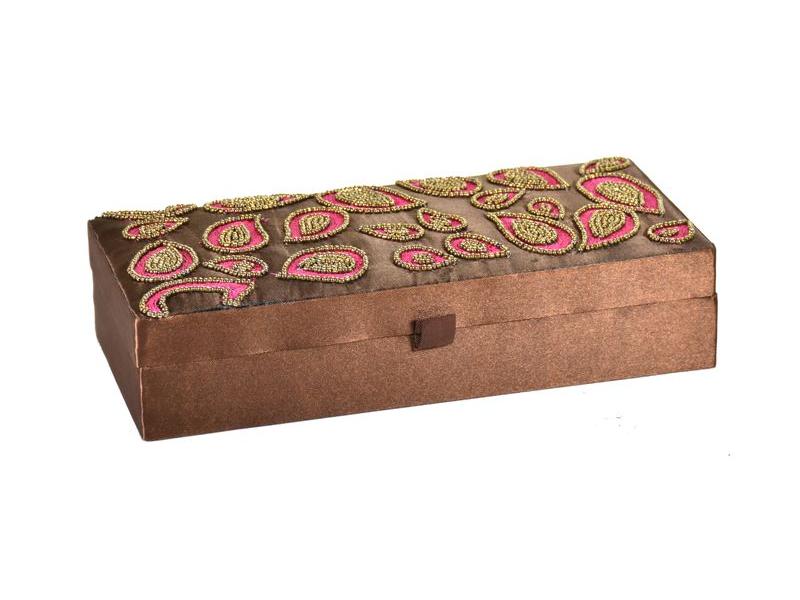 Ručně vyšívaná šperkovnice, hnědo-rožová, korálky, 23x10,5x5,5cm
